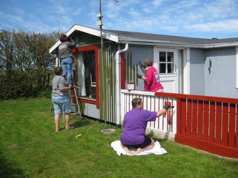 Strandcamping Falster, mennesker maler hus